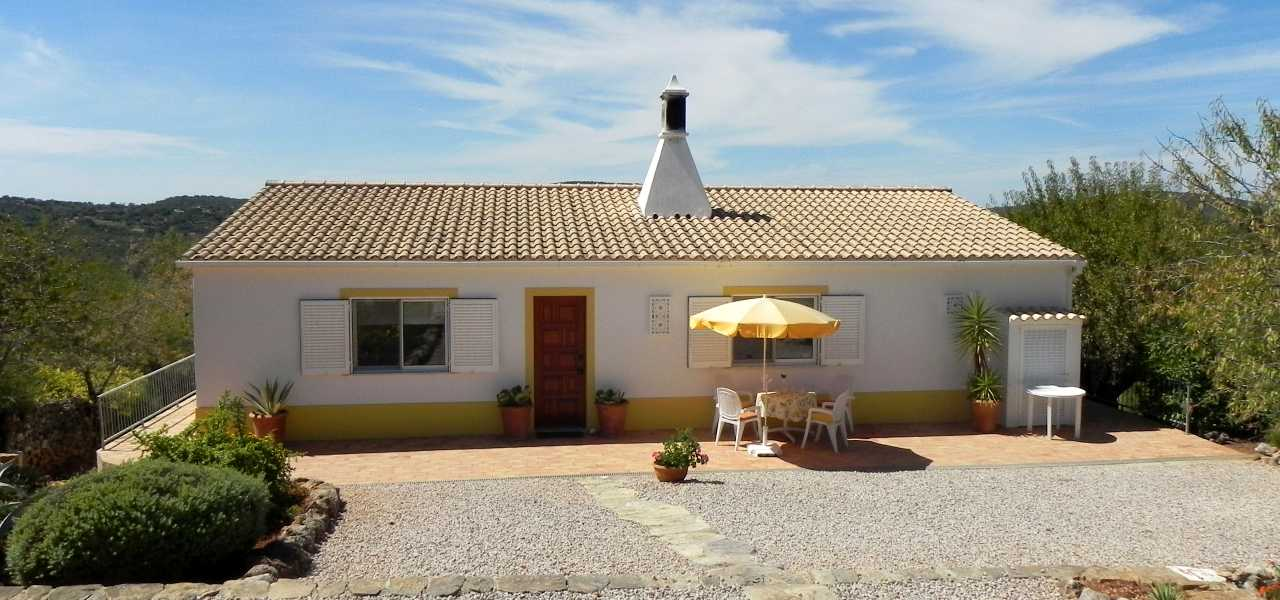 Charming 2 bedroom Villa with beautiful country...