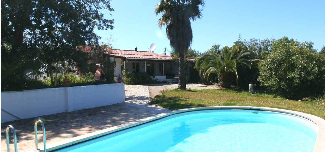 Charming 2 bed villa with private pool and nice garden