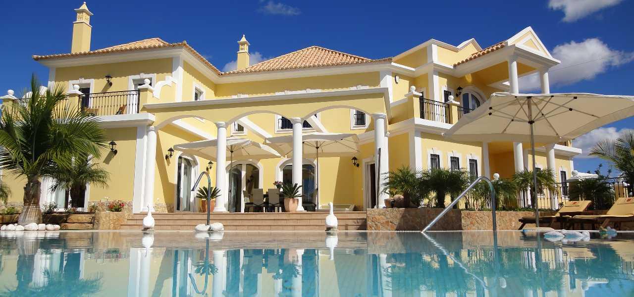 Luxuriöse Meerblick Villa bei Vilamoura zum Kauf