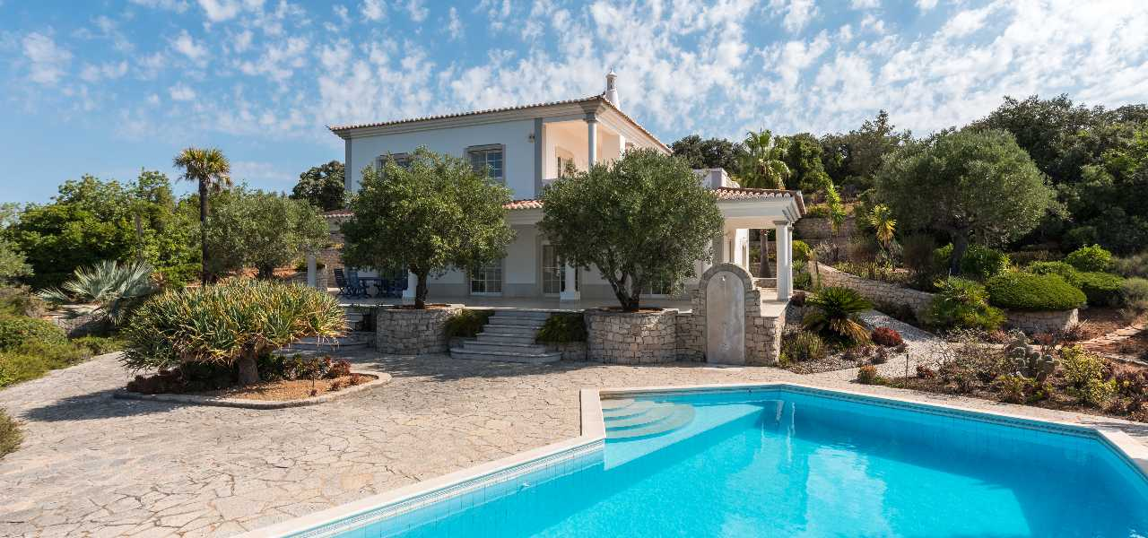 Fantastische 3-SZ Villa mit Traumblick nahe Santa Barbara de Nexe