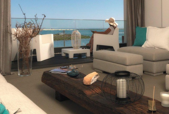 Luxurious 2 bedroom seafront apartment with pool in Fuzeta