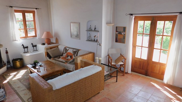 Beautifully restored quinta with large pool, garage and panoramic country view