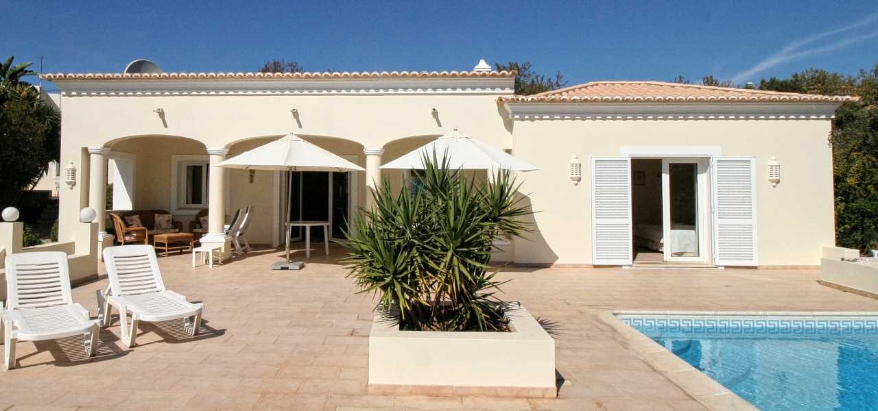 Fantastische 3 Schlafzimmer Villa mit Gästehaus bei Vilamoura