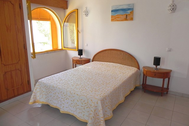 4 bedroom villa with pool in quiet residential area nearby the marina