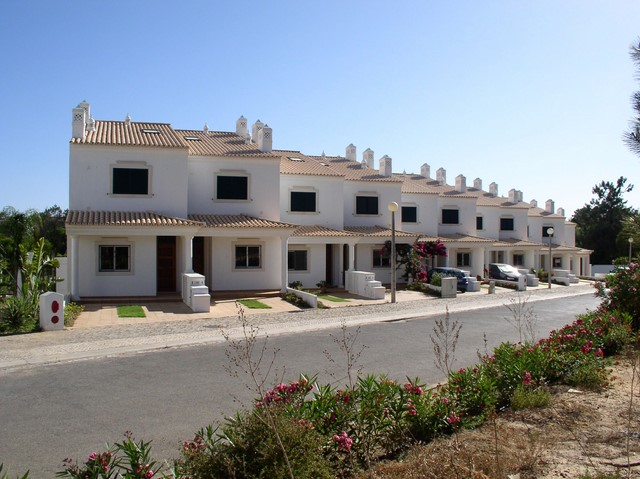 Beautiful new built townhouses close to the sea