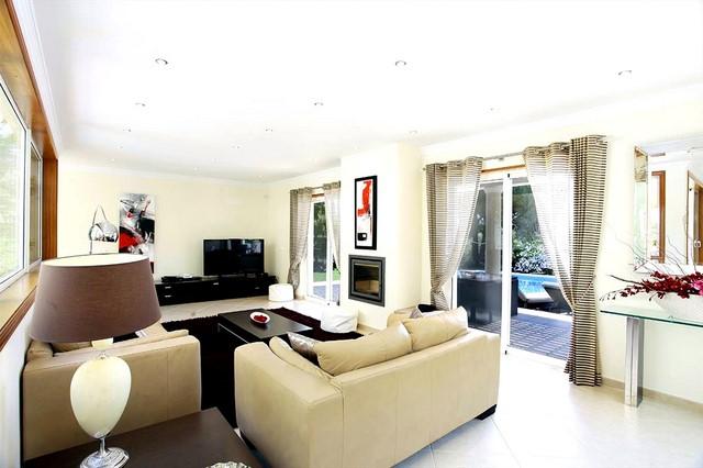 Stunning 4-bedroom villa on the outskirts of Vale do Lobo